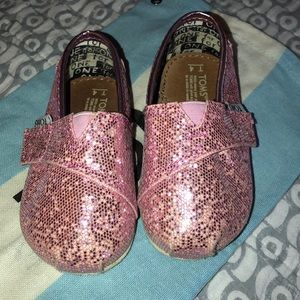 Toms Shoes - Pink Glitter Toms reposhed